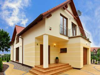 Casas de estilo clásico de Biuro Projektów MTM Styl - domywstylu.pl Clásico