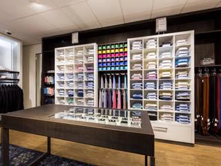 Winkelinrichting: modern  door DecoLegno, Modern