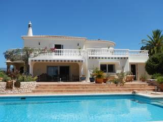 Facade Renovation RenoBuild Algarve Casas de estilo mediterráneo