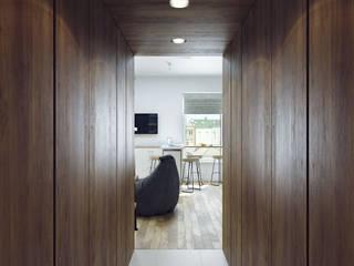 Scandinavian style corridor, hallway& stairs by Хороший план Scandinavian