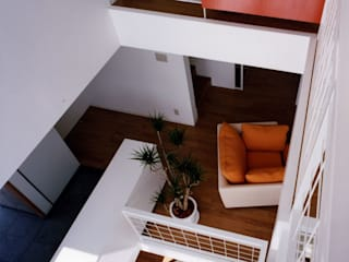 Moderne Wohnzimmer von スタジオ・ベルナ Modern