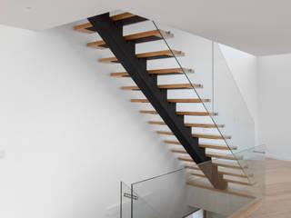 Corridor & hallway by JPS Atelier - Arquitectura, Design e Engenharia, Modern