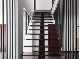 Pasillos, vestíbulos y escaleras modernos de JPS Atelier - Arquitectura, Design e Engenharia Moderno