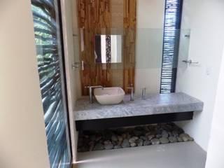 Bathroom by bello diseño!, Eclectic