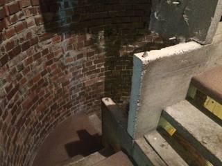 伊藤自邸: 伊藤邦明都市建築研究所が手掛けた廊下 & 玄関です。,オリジナル