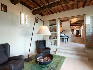 casa in campagna Ingresso, Corridoio & Scale in stile classico di marco bonucci fotografo Classico