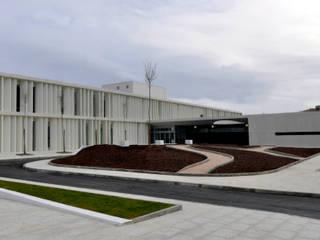 Centro de Saúde | Montemor o Novo Clínicas modernas por ATELIER DA CIDADE Moderno
