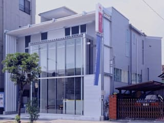 Modern Houses by 有限会社加々美明建築設計室 Modern