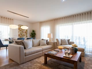 Andar Modelo - Oeiras: Salas de estar  por Traço Magenta - Design de Interiores