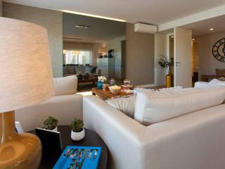 Modern living room by Traço Magenta - Design de Interiores Modern
