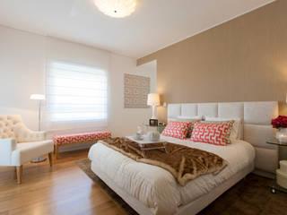 Traço Magenta - Design de Interiores ห้องนอน