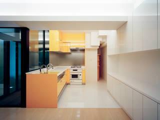 VILLA EO モダンな キッチン の 片岡直樹設備設計一級建築士事務所 モダン
