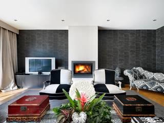 Moradia Estoril/Estoril Residence: Salas de estar  por 3L, Arquitectura e Remodelação de Interiores, Lda,Moderno