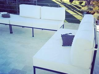 LINEACLASICA - VIVIENDA FAMILIAR:  de estilo  por 72 diseño exterior