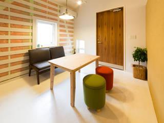Scandinavian corridor, hallway & stairs by デザインプラネッツ一級建築士事務所 Scandinavian
