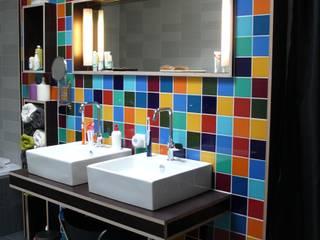 Verbouwing woonhuis Rosmalen:  Badkamer door JANICKI ARCHITECT