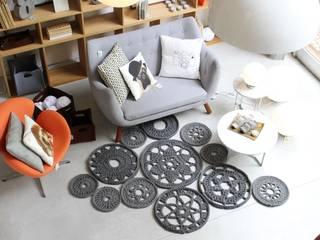 Livings de estilo  por Entre Led e Design