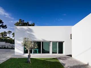Godiva House: Casas  por Empty Space architecture,Moderno
