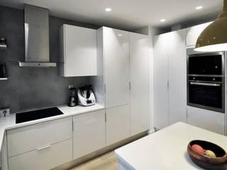 Cocinas modernas: Ideas, imágenes y decoración de MARQA - Mello Arquitetos Associados Moderno