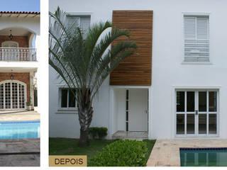 Antes e Depois - Fachada: Casas  por Daniela Zuffo Arquitetura e Interiores