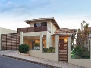 Houses by Isabela Canaan Arquitetos e Associados