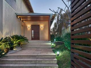 Residência AM Casas modernas por Isabela Canaan Arquitetos e Associados Moderno