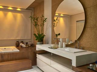 Casas de banho  por Isabela Canaan Arquitetos e Associados
