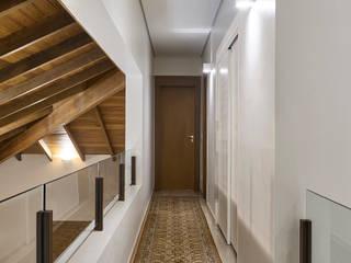 모던스타일 복도, 현관 & 계단 by Isabela Canaan Arquitetos e Associados 모던