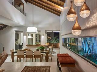 Isabela Canaan Arquitetos e Associados Comedores de estilo moderno