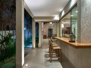Terrazas de estilo  por Isabela Canaan Arquitetos e Associados