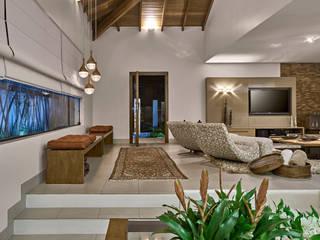 Livings de estilo moderno de Isabela Canaan Arquitetos e Associados Moderno