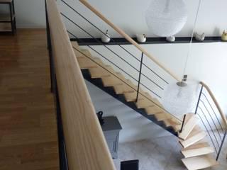 Rénovation d'un séjour avec mezzanine à Grisolles (82) Audrey Ardalan Couloir, entrée, escaliers modernes