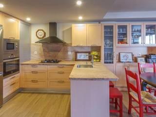 Cocinas de estilo  por Conarte cocinas