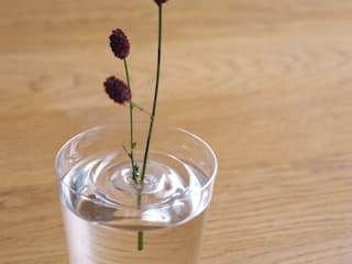 Floating Vase / RIPPLE: oodesignが手掛けたミニマリストです。,ミニマル