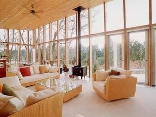 现代客厅設計點子、靈感 & 圖片 根據 一級建築士事務所ATELIER-LOCUS 現代風