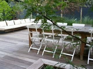 Jardines de estilo moderno de de tuinfabriek Moderno