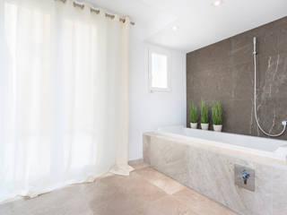 La Biwa Baños de estilo minimalista de Construccions i Reformes Miquel Munar SL Minimalista
