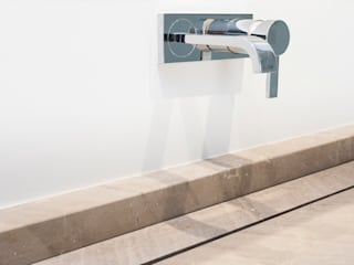 Baños de estilo  por Construccions i Reformes Miquel Munar SL, Minimalista
