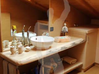 Arredamenti Brigadoi Baños de estilo rústico Madera maciza