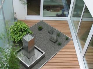 Terraços  por BEGRÜNDER , Moderno