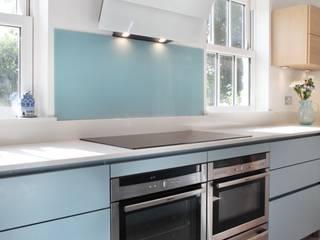 Sheethanger Lane Cocinas de estilo moderno de in-toto Kitchens Design Studio Marlow Moderno