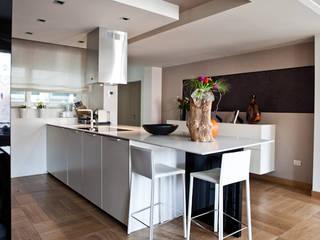 appartamento a castelfranco V:to .Treviso Cucina moderna di internitreviso Moderno