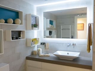 Classic style bathroom by INFOR AMBIENTES SL Classic
