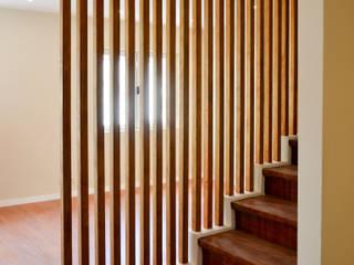 House Reabilitation Lidadoe Minimalist corridor, hallway & stairs by HAS - Hinterland Architecture Studio Minimalist