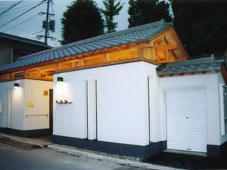 Huronomichi public lavatory オリジナルスタイルの 玄関&廊下&階段 の 株式会社武村耕輔設計事務所 オリジナル