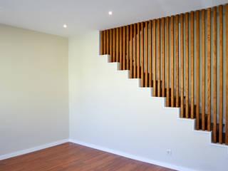 Sala de Estar: Salas de estar  por HAS - Hinterland Architecture Studio,Minimalista