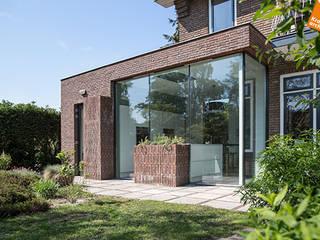 Uitbreiding hoekwoning Amersfoort:  Huizen door Kraal architecten BNA