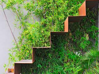 Giardino pensile tra cielo e acqua Balcone, Veranda & Terrazza in stile mediterraneo di Annibale Sicurella - laborArch Mediterraneo