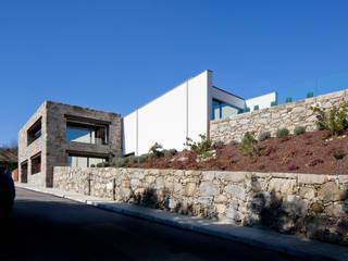 RM House:   por Fcc Arquitectura