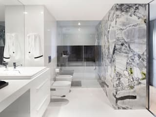 Minimalist style bathroom by GAVINHO Architecture & Interiors Minimalist